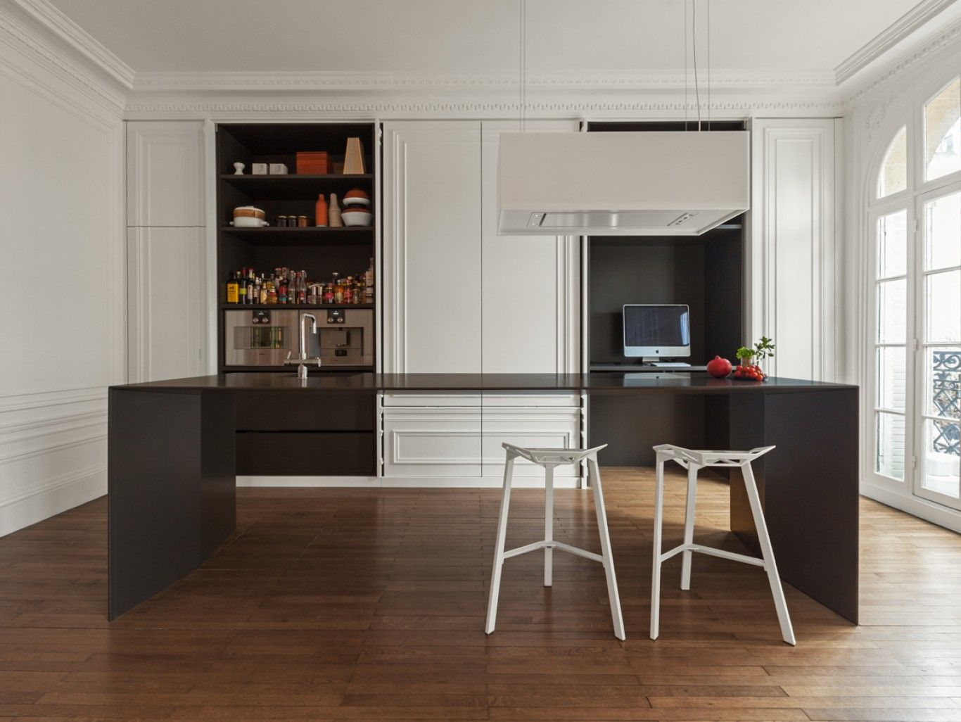 Invisible Kitchen by i29 interior architects (action shot!) | Living ...