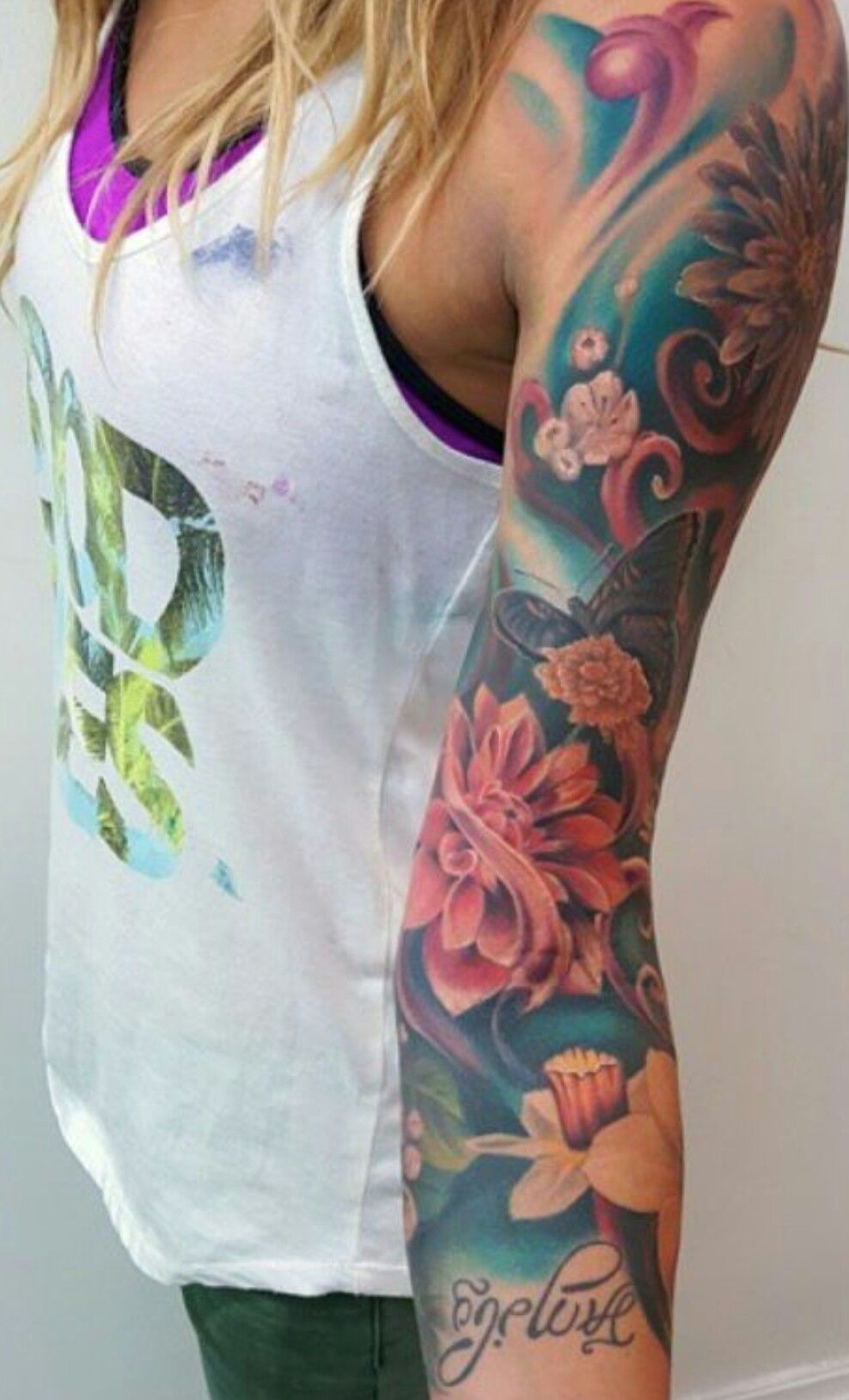 Pin By Samantha Morgan On Tattoos Girls With Sleeve Tattoos Beautiful Tattoos For Women Arm Tattoos For Women