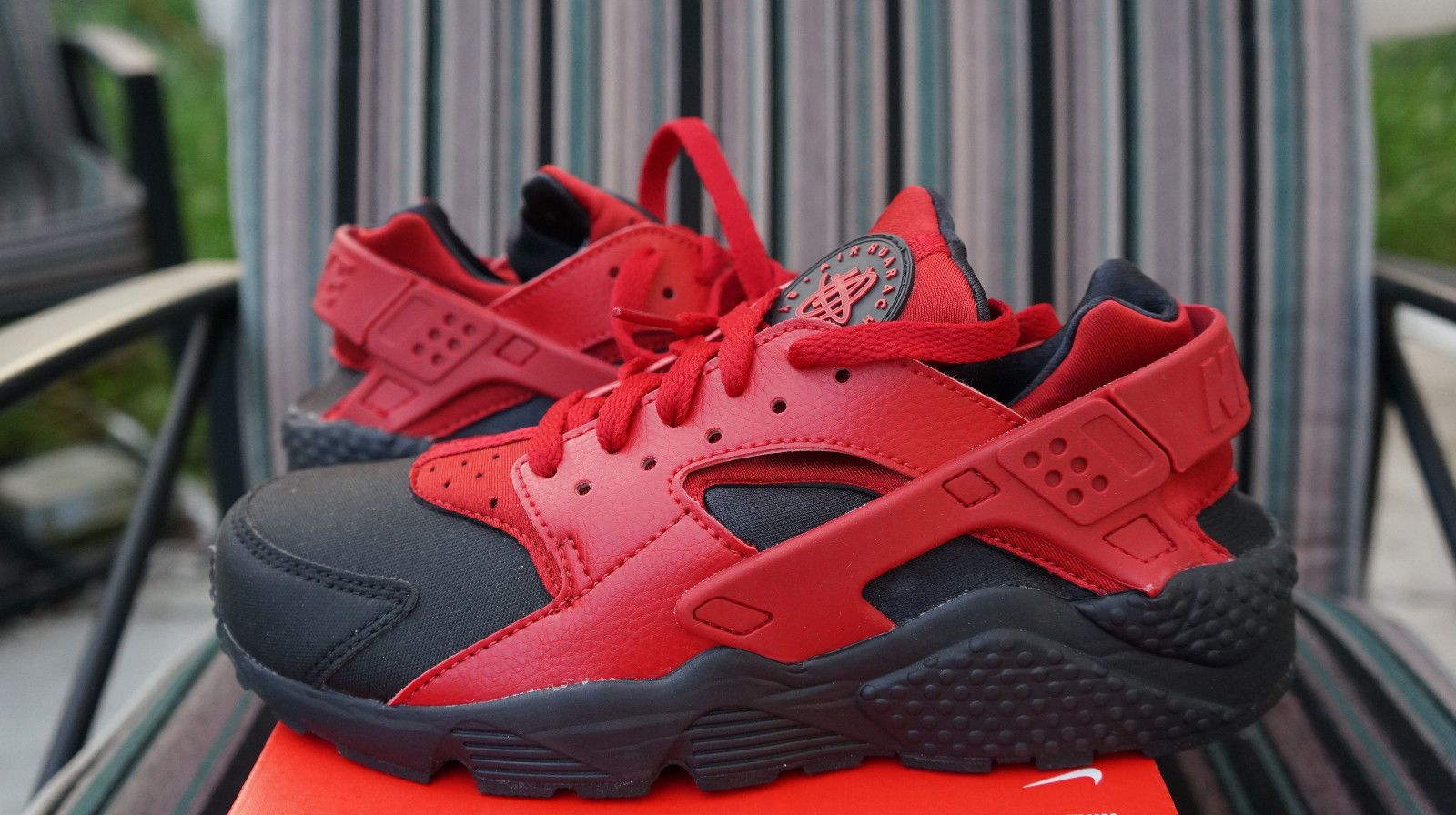 NIKE AIR HUARACHE RUN PREMIUM Noir GYM Rouge | S N E A K S