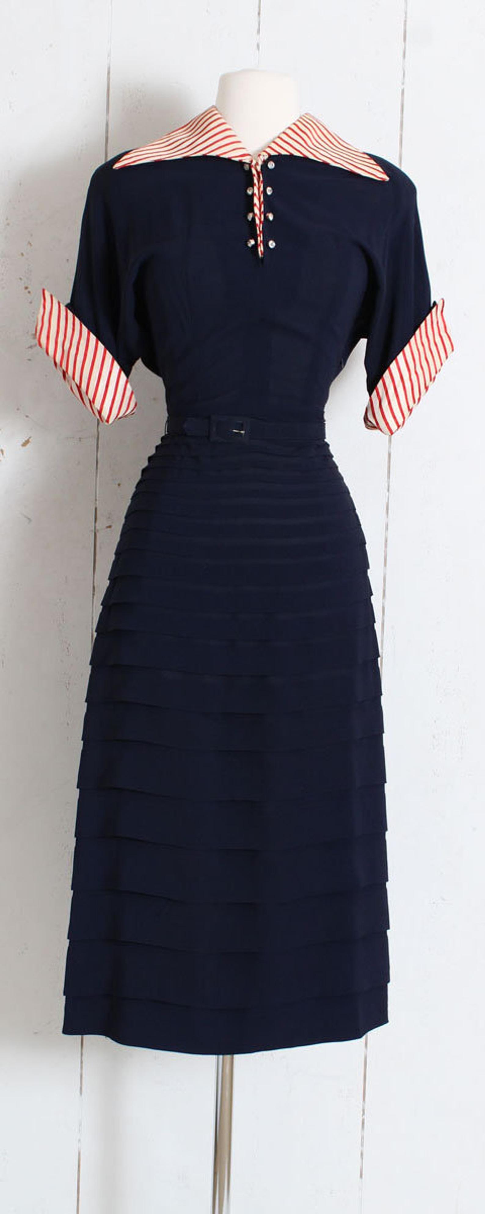 Vintage 1940s 40s Dress Blue Red Striped Rayon Crepe Sam Etsy 40s Dress 1940s Fashion 1940s Dresses [ 3970 x 1588 Pixel ]