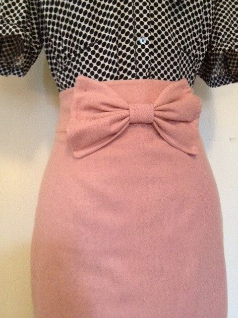 High waisted Mad Men style pinup vintage pencil skirt with a girly touch