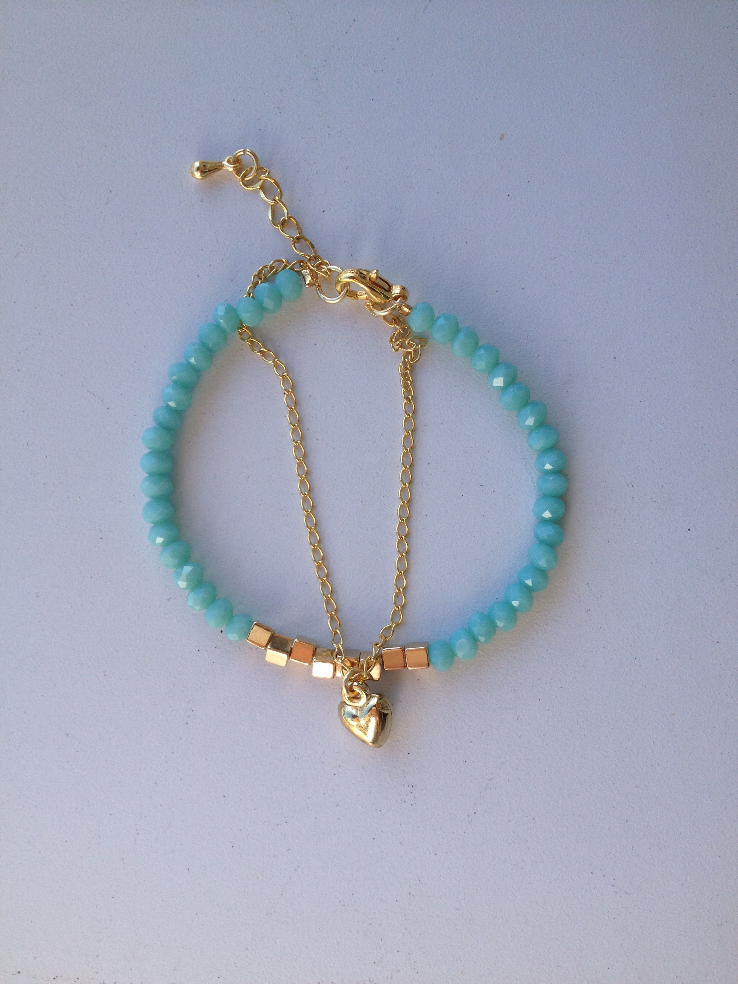 64426ff291be Blue crystal bracelet with a heart pendant Pulseira de cristal azul ...
