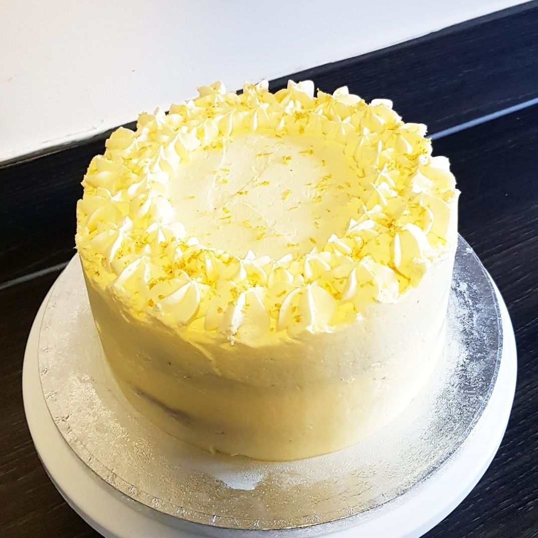 Quick lemon cake, this is lemon sponge with zingy lemon buttercream. Yum. I know... - #lemonbuttercream
