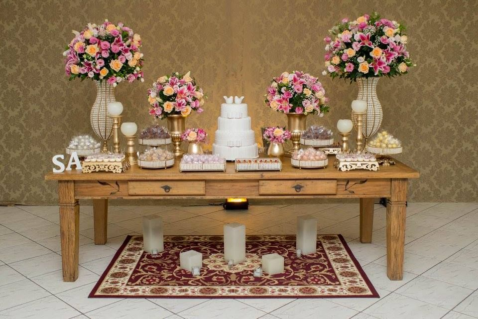 Pin by Iorhana de Castro on meu chá Bolo de casamento, Mesa do bolo casamento, Decoraç u00e3o mesa  -> Decoração De Mesa Do Bolo Para Casamento Simples