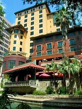 Located In San Antonio The Texas Region 400 Metres From River Walk Hotel Valencia Riverwalk Features A Terrace And Views Of An Onsite