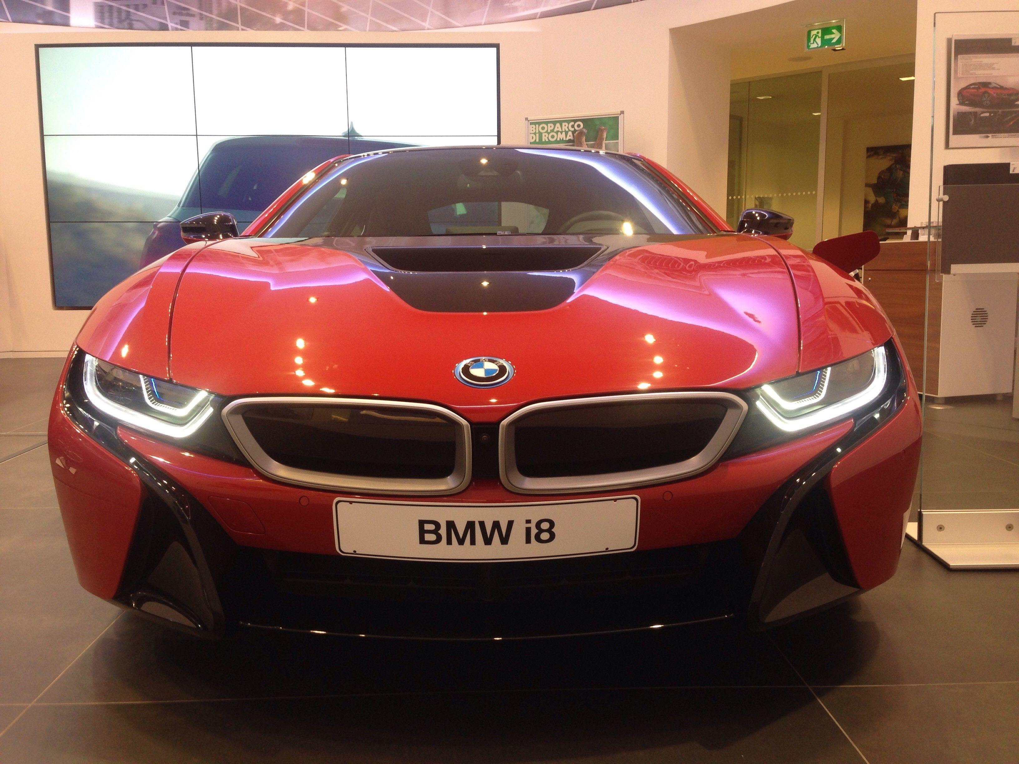 Il futuro a portata di mano. BMW i8.