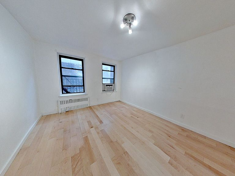1332 3rd Ave New York Ny 10075 Apartments For Rent Zillow Rental Listings New York Apartments For Rent