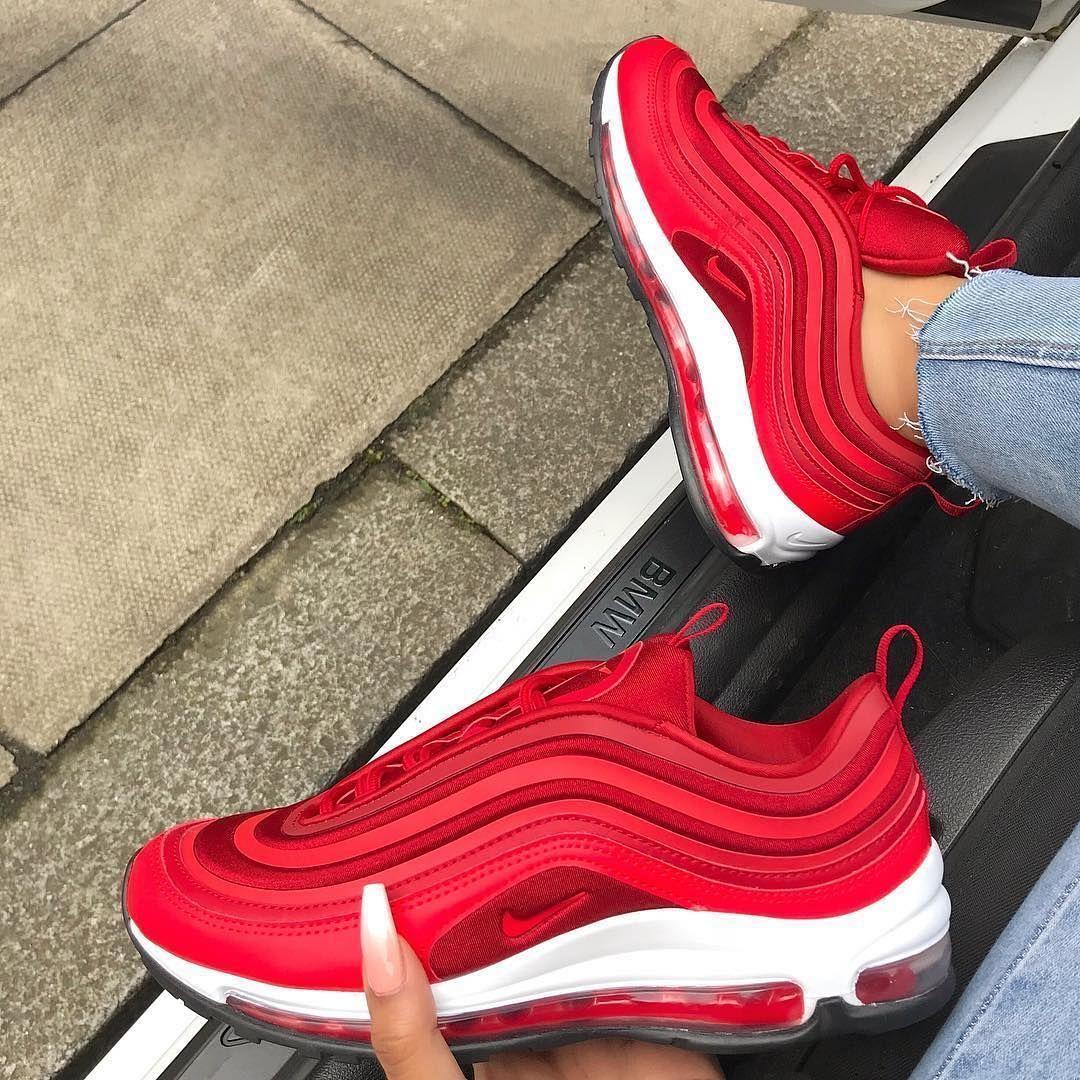 Nike Air Max 97 Gym Red So Ein Mega Sneaker Fur Frauen Rote Schuhe Sind Gewohnungsbedurftig Aber Hier Sieht Er Hammer Nike Air Max 97 Air Max 97 Sneakers