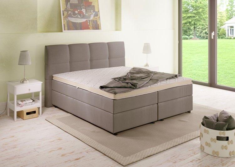Boxspringbett In Farbe Beige Mit Topper Heller Bodenbelag #schlafzimmer  #bedroom