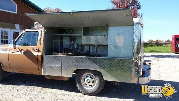 Lunch Truck For Sale >> Pin By Usedvending Com On Food Trucks For Sale In 2019