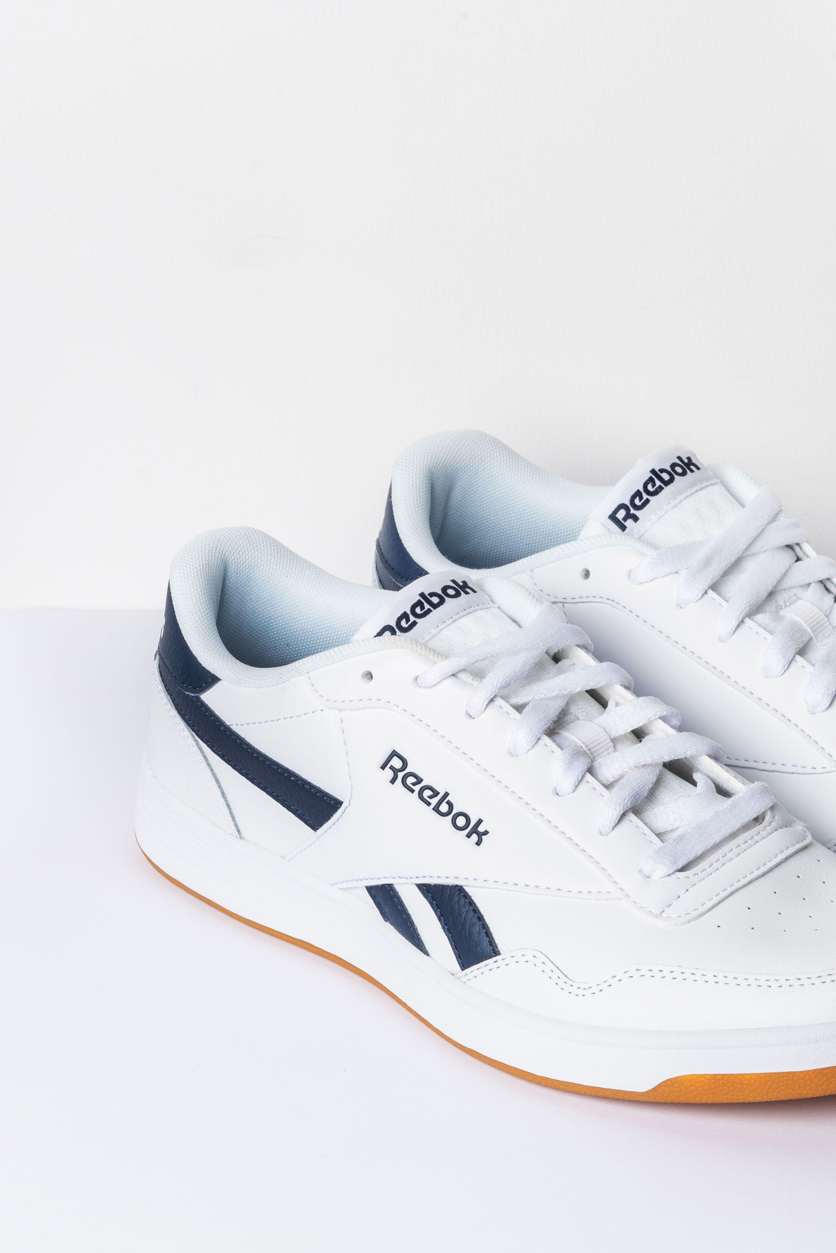 White&blue : les intemporelles baskets Reebok débarquent