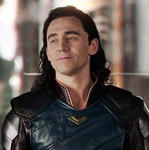 foto de Pin de Andrea Martinez en Héroes♡ Loki Marvel