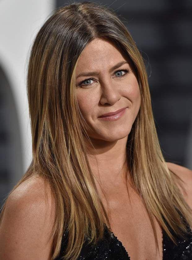 Le Blond Beige Foncé De Jennifer Aniston Jennifer Aniston