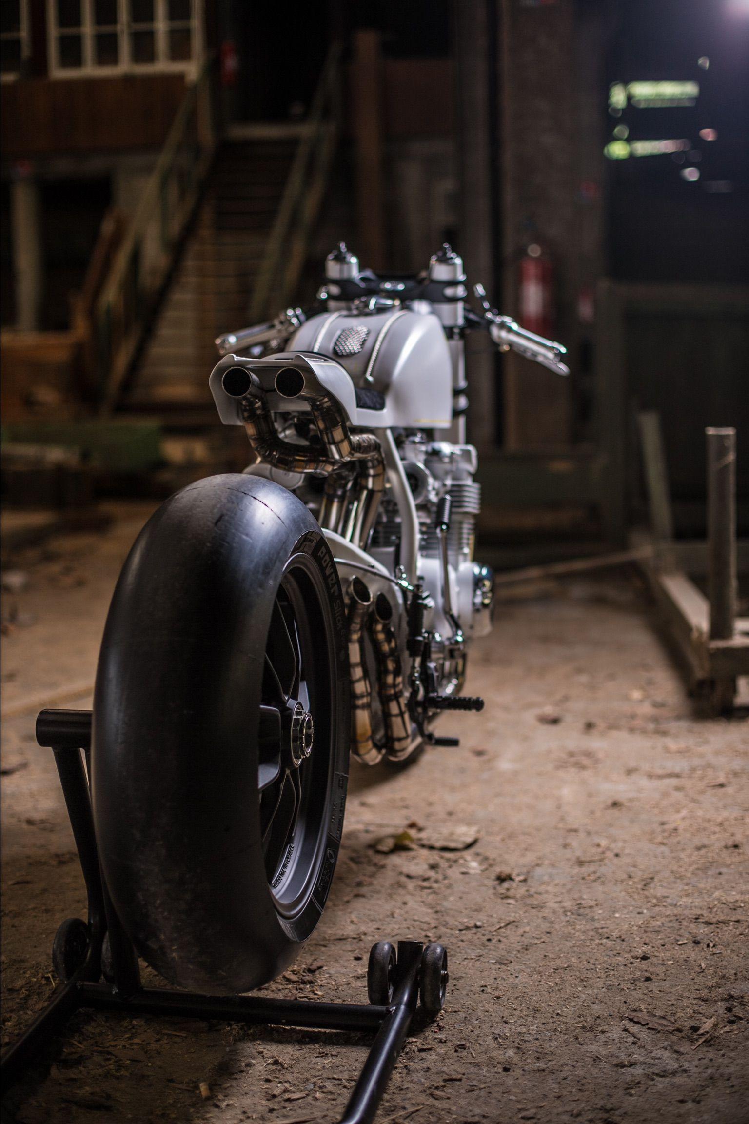honda cb 500 four cafe racer by duke motorcycles atelier. Black Bedroom Furniture Sets. Home Design Ideas