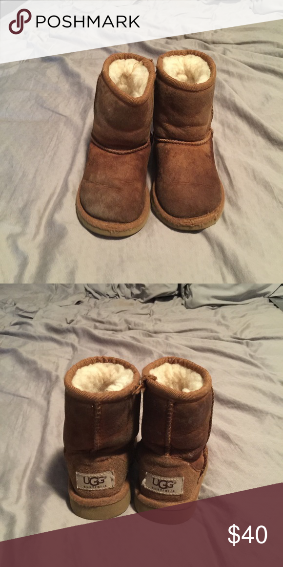 Kids Size 7 Uggs. Need cleaned. Worn during winter. Size 7. Real Uggs. UGG Shoes Boots