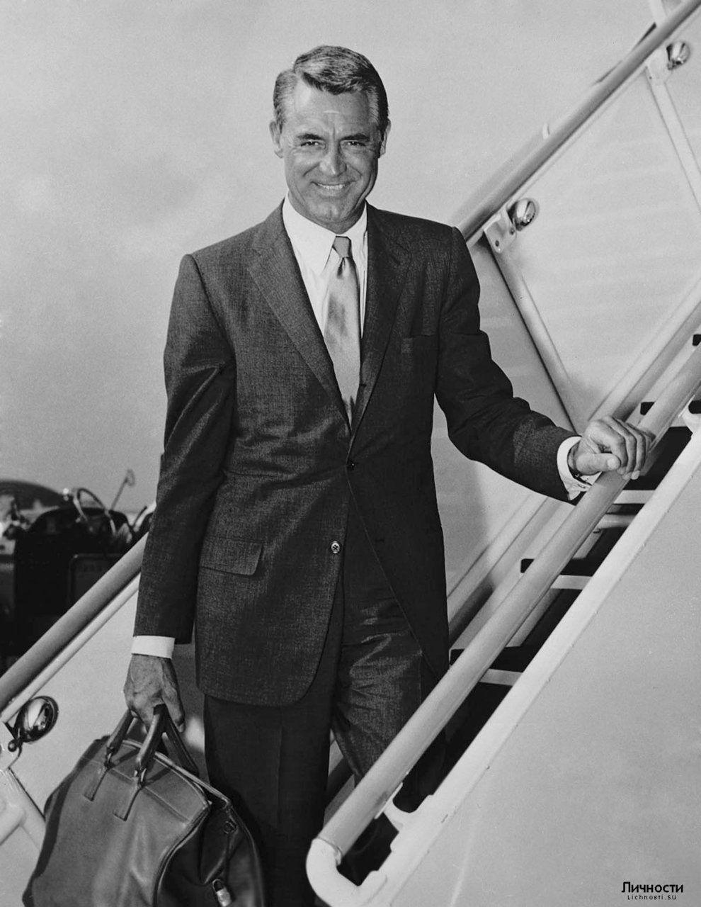 Cary Grant http://www.pinterest.com/mjoyingitall/guy-style-3/