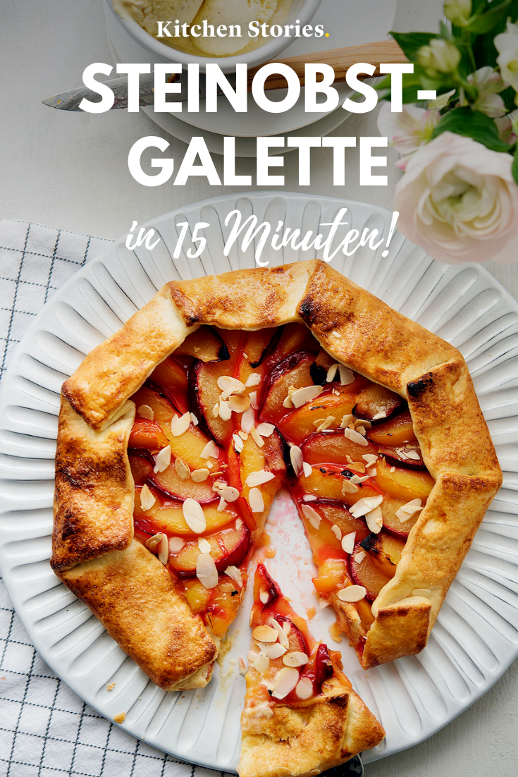 Steinobst-Galette | Rezept mit Video | Kitchen Stories  – Fruchtige Dessert-Ideen