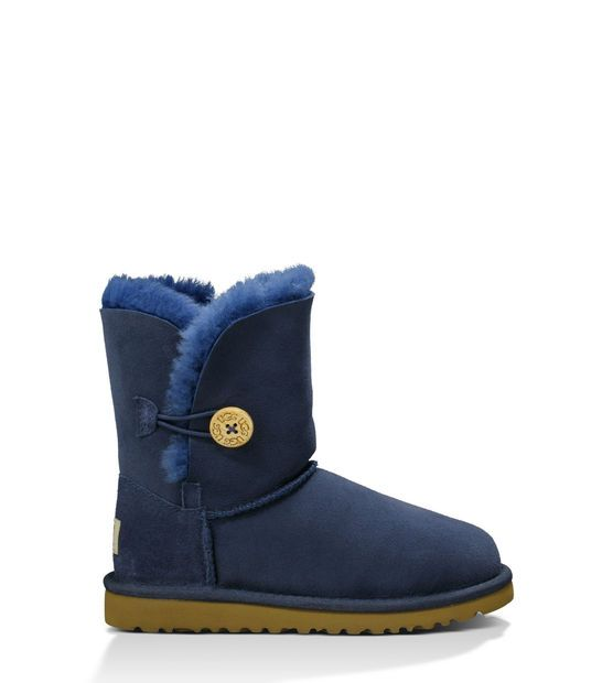 Our UGG sale section features discounts on Men's, Women's and Kids' UGG products ideal for any occasion: from cold weather to weekend getaways, ...