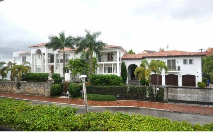 Lebron James House In Miami Sold Miami Houses House Styles