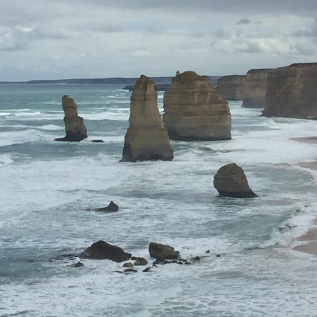 I never get tired of this place! #12apostles #touristinmycity #greatoceanroad #Victoria #Australia  @visitmelbourne @melbournetodo by yuriguzman http://ift.tt/1ijk11S