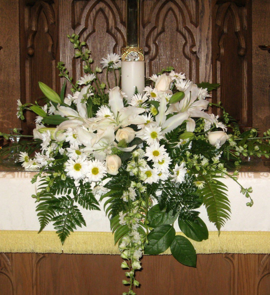 church wedding flower arrangements unity candle altar arrangement wedding 2947