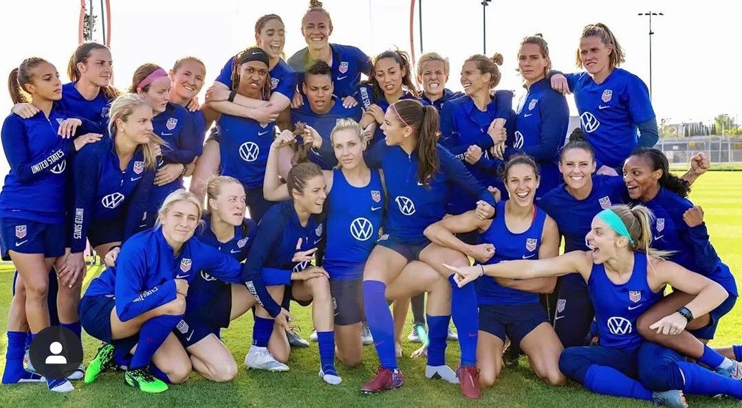 Pin By Britta Frie On Uswnt In 2020 Usa Soccer Women Usa Soccer Team Us Women S National Soccer Team