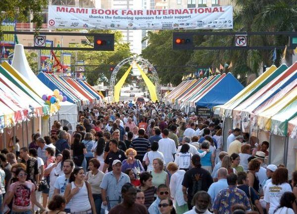 ¡Llegó la Feria del libro de Miami!