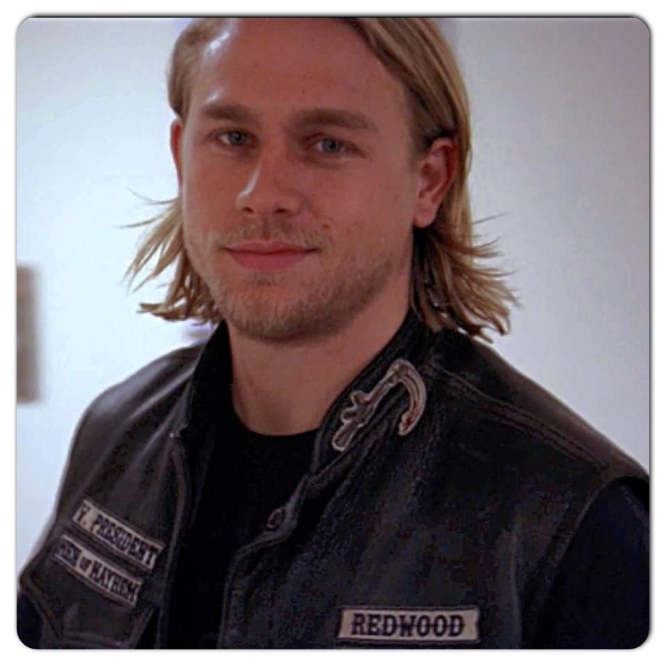 Jax Season 1 Soa He S Changed A Lot Since Then And Getting Better With Age Charlie Hunnam Ex Husbands Celebrity Crush