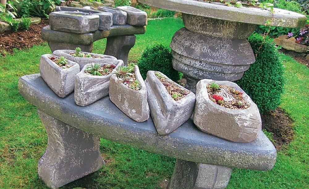 Pflanzgefäße aus Styrodur®: Hier ist kaum ein Unterschied zu bearbeitetem Stein erkennbar