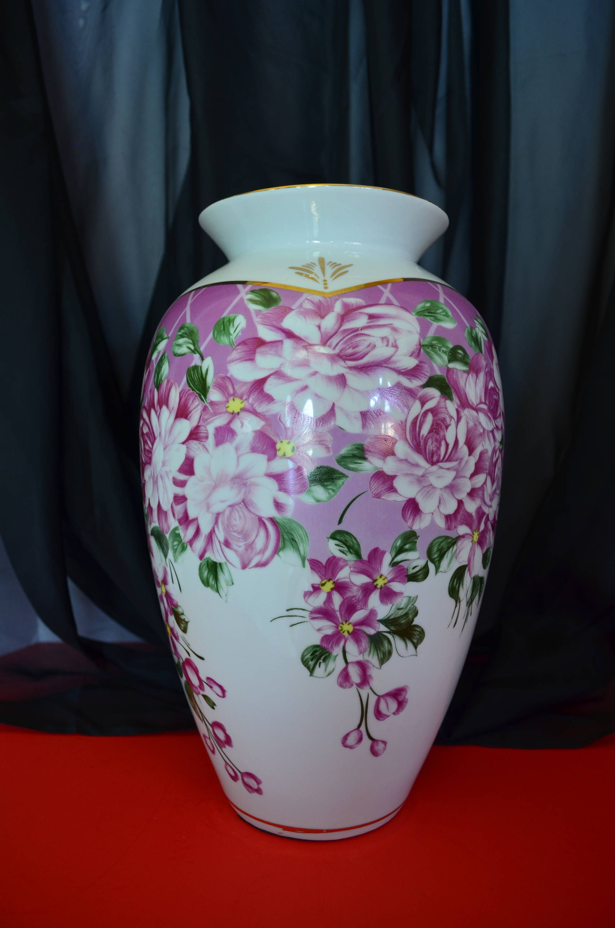 Large vintage white vase with pink floral design gold rim and large vintage white vase with pink floral design gold rim and accents by soulsationsvintage on reviewsmspy