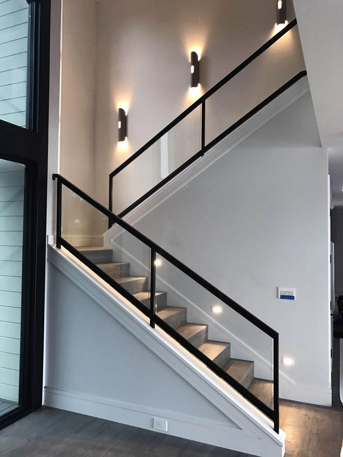 Real Home Inspiration Glass Railing Modern That Look Beautiful Home Stairs Design Stair Railing Design Stairs Design
