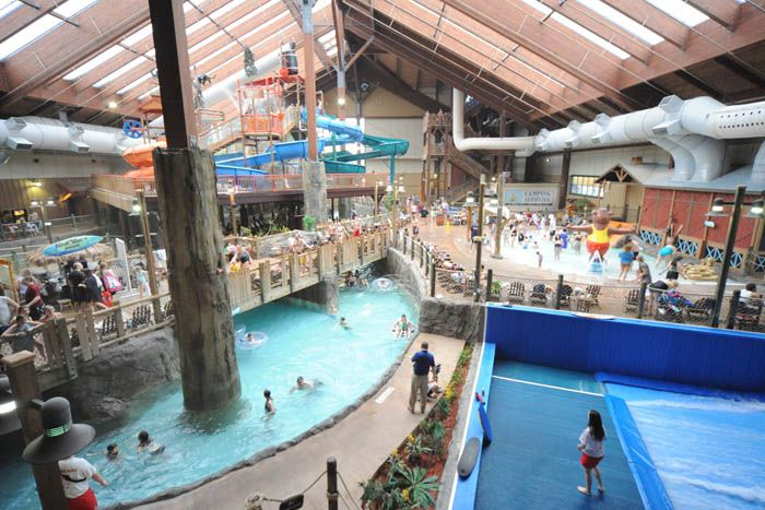 Ny Waterpark Photo Gallery At Six Flags Great Escape Lodge