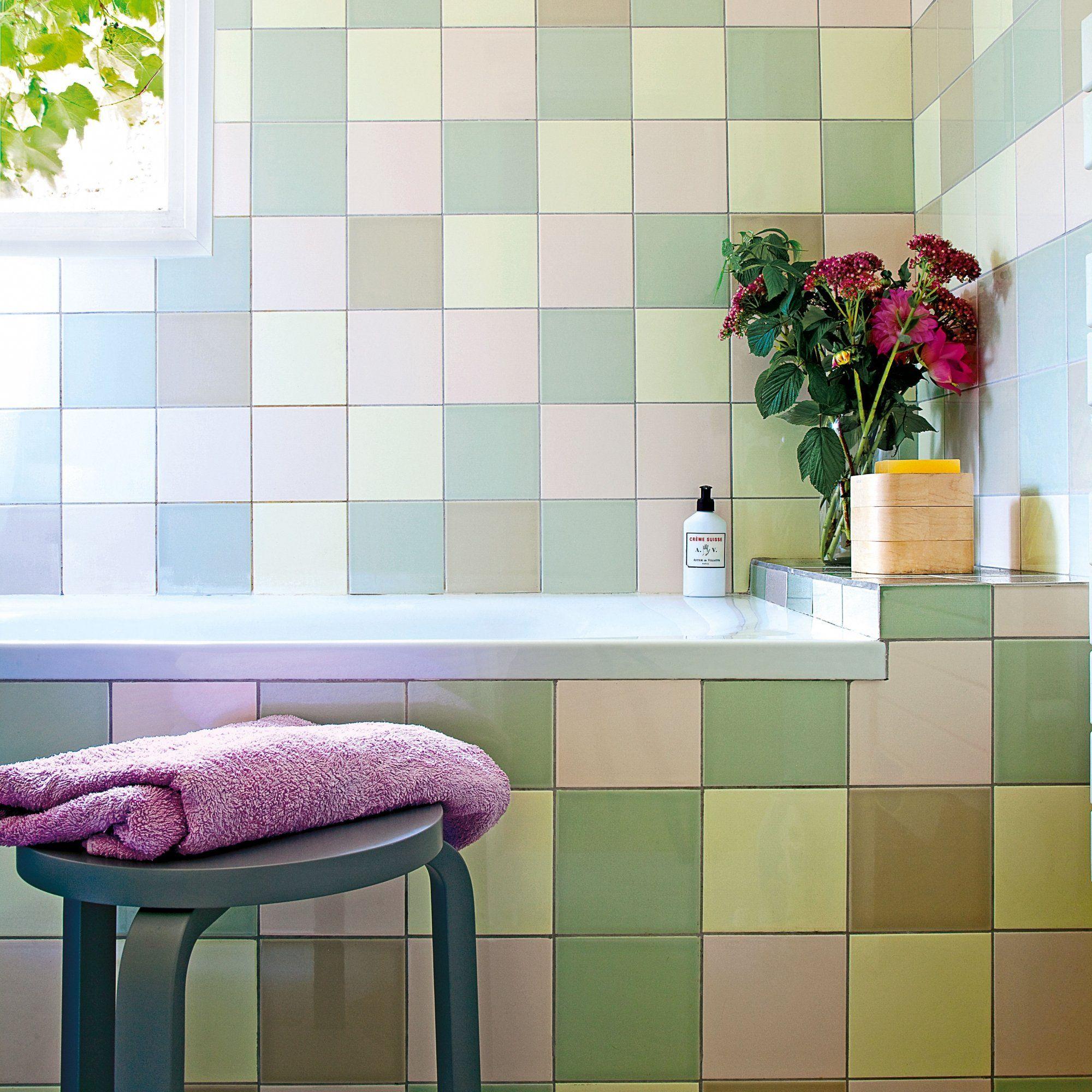 salle de bains carrelage rose vert et jaune pâle | Salle de bains ...