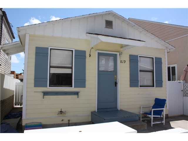 San Go Mission Beach Cottage 536 Feet 1 Bathroom 2 Bedroom Needs Work Dropped To 550 00 Wowzers It Costs A Lot Less Be Homeless In
