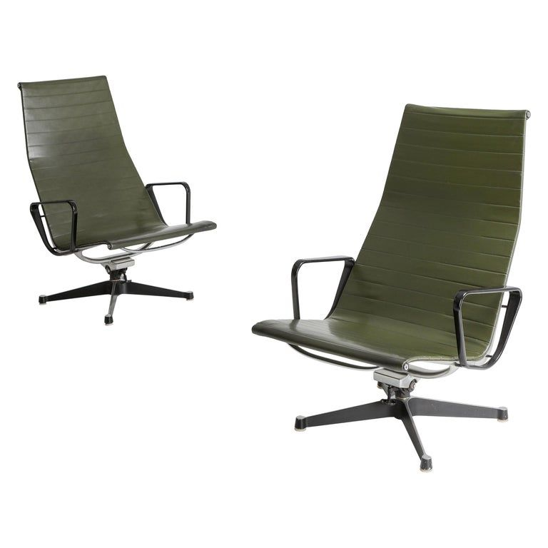 Charles And Ray Eames Ea124 Lounge Chairs In Green Leather By