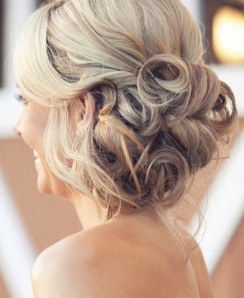 18 Creative And Unique Wedding Hairstyles For Long Hair: Romantic Wedding Hair, Prom