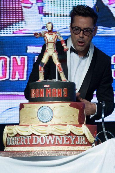 Iron Man cutting his cake Robert Downey Jr Pinterest Man