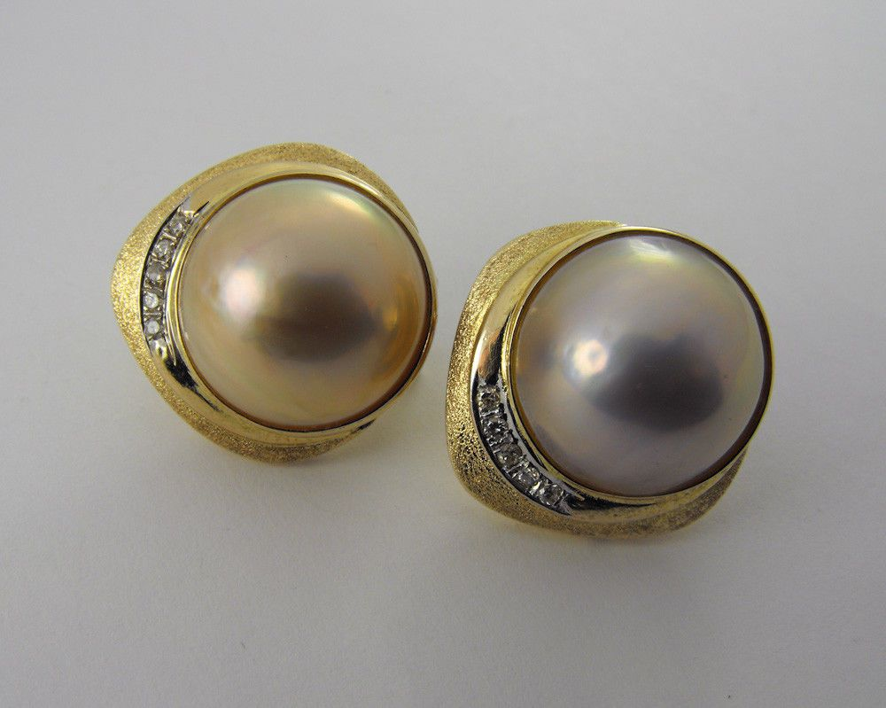 14K Solid Yellow Gold Mabe Pearl & 10 Diamond Earrings 18.8 Gram Estate Class