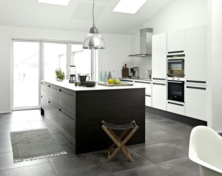 Kitchen  Jke Design  Savona Black Oak Veneerwhite Laminate Best Kitchen Model Design Inspiration Design