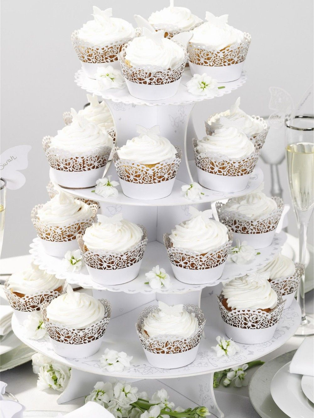 Such a cute cupcake liner! Really pulls the cupcakes to the wedding level.  $0.23
