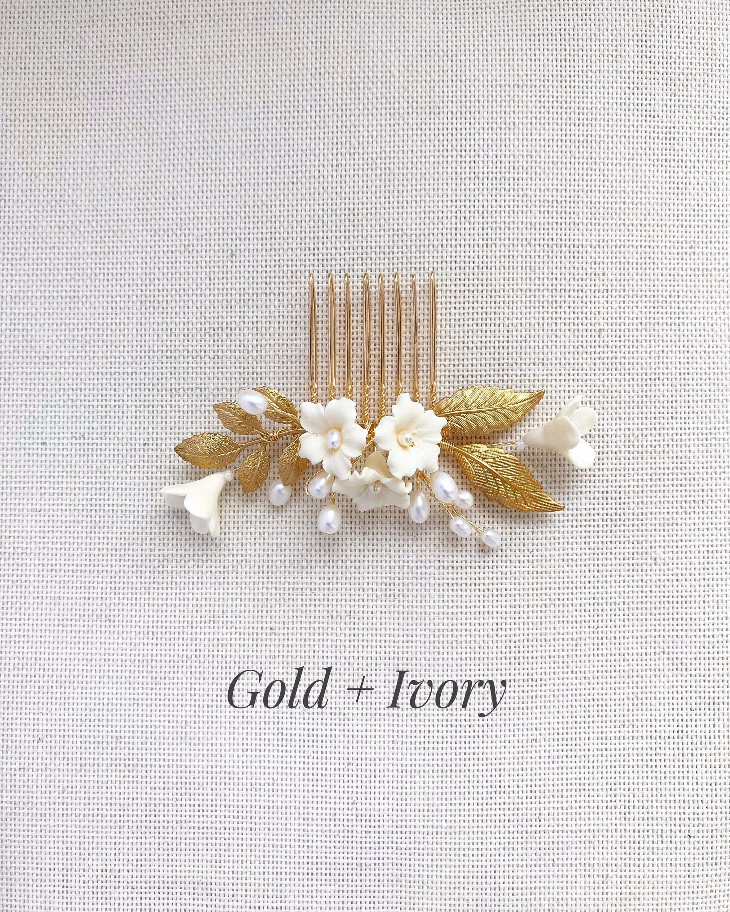 Small Bridal Hair Comb Gold & Pearl, Wedding Head Piece for Bride, Bridal Hair Accessories, Flowers Headpiece, Simple Bridal Hair Piece #bridalhairflowers