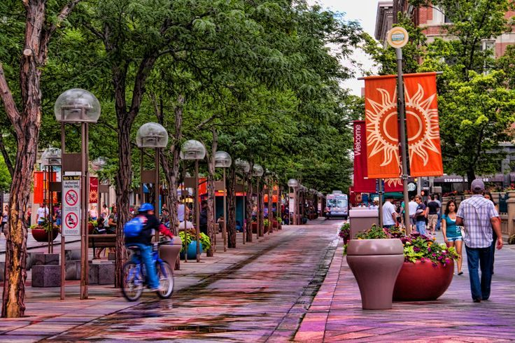 16th Street Mall Denver Colorado Only Free Bus Is Allowed No Cars Pedestrians Walking Or Riding The Beautiful Place To And Eat