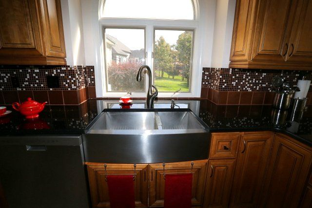 Stainless Steel Apron Sink With Black Galaxy Granite