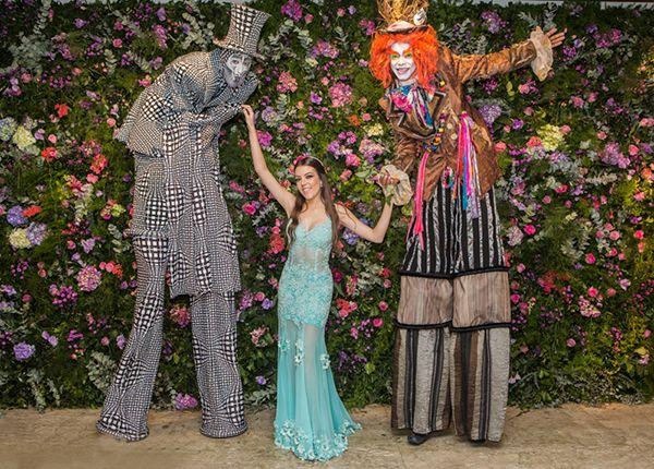 Festa De 15 Anos De Bianca Buzaneli Decoracao Inspirada Em Alice