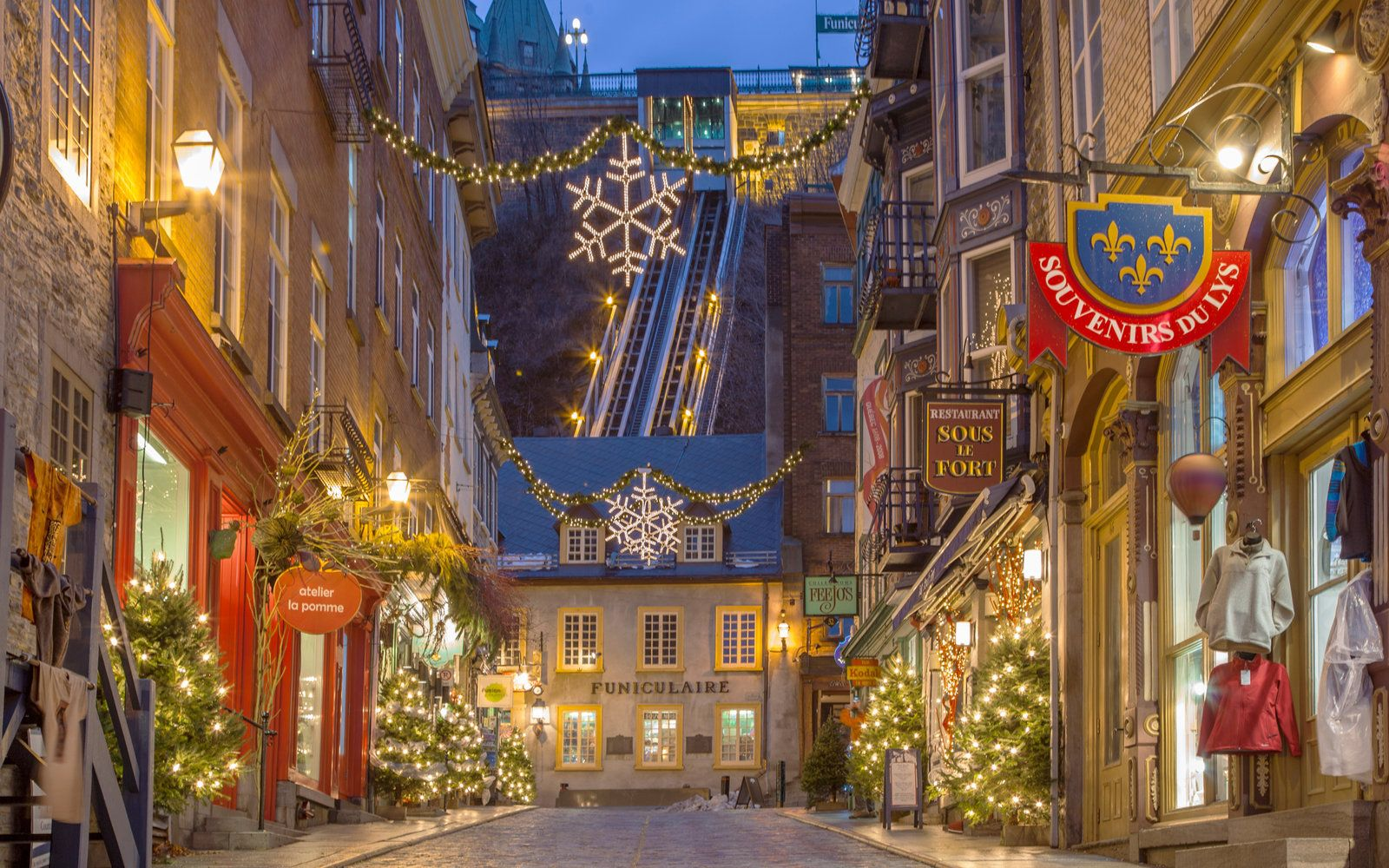 Romantic Christmas Getaways | Christmas getaways