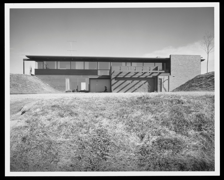richard neutra everist house sioux city iowa photo julius