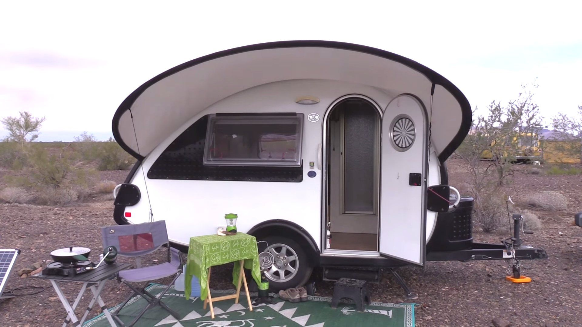 Especial Her Teardrop Trailer Jeep Beauer 3x Camper Retired Nomad Woman Living Sale Her Teardrop Trailer Tinytrailerscamper Retired Nomad Woman Living Usa curbed Beauer 3x Camper For Sale In Usa