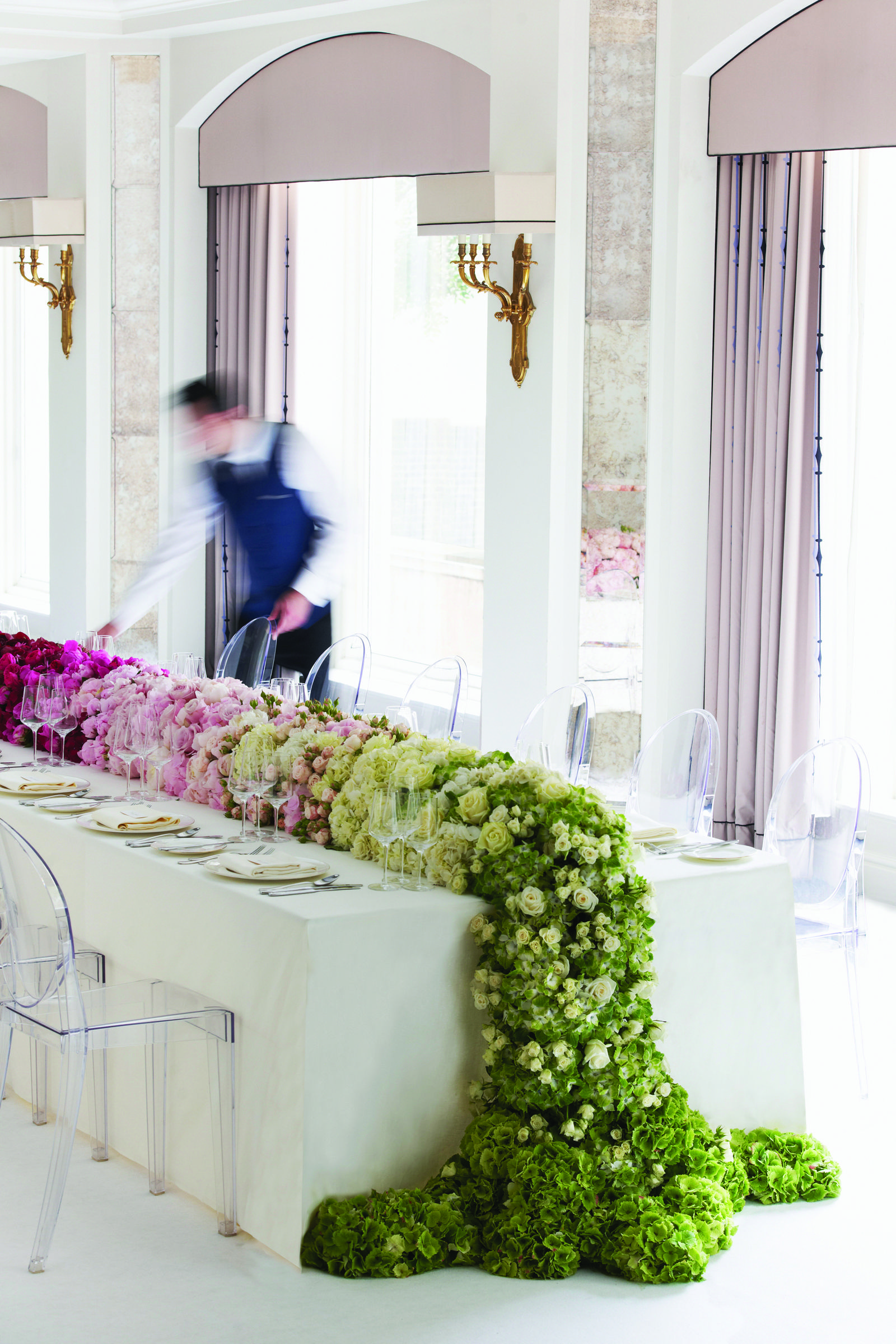 Bright and Outstanding Wedding Tables Decoration in the Berkeley ...