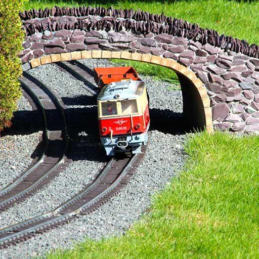 Train at Southport Model Railway Village