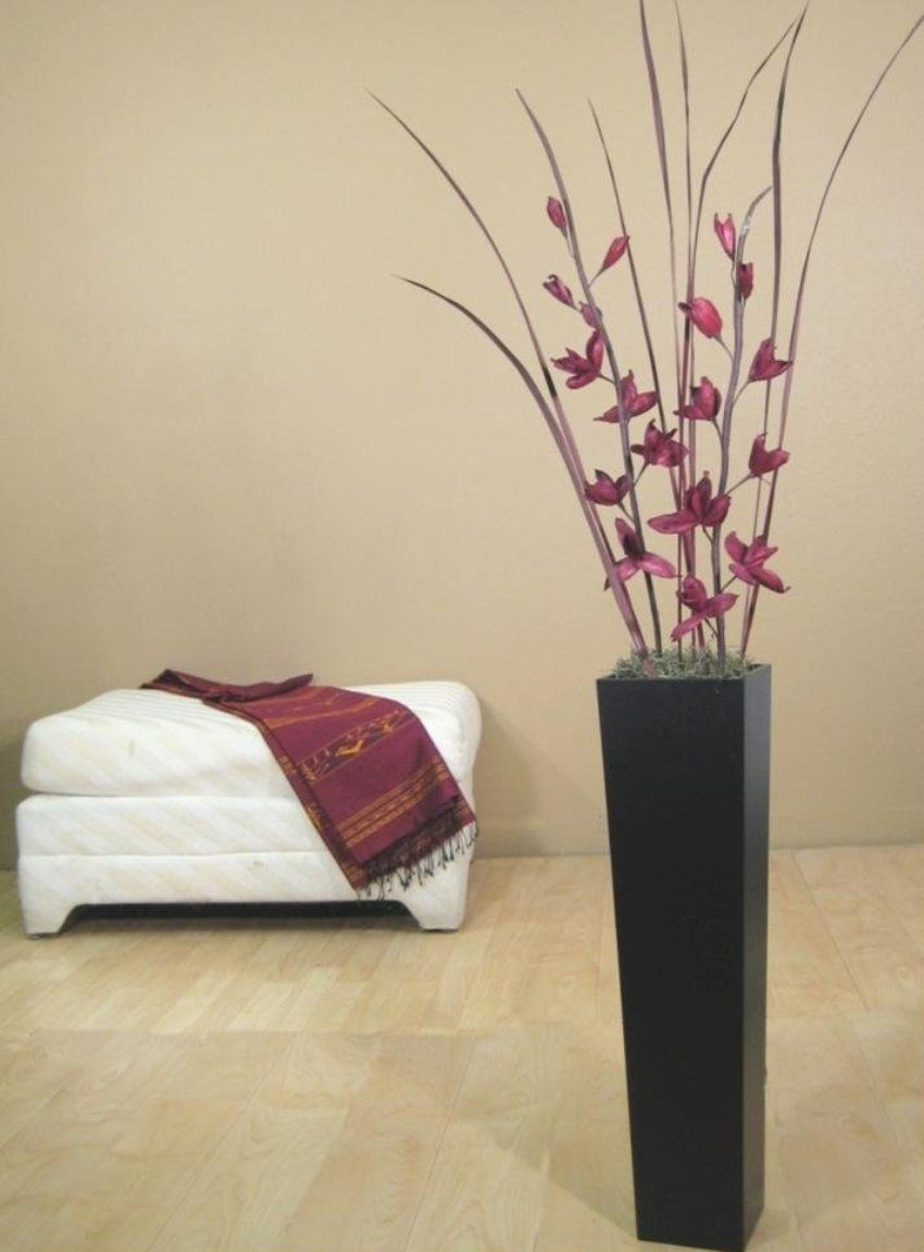 Minimalist Home Interior Designing Ideas With Stylish Black Tall Floor Vases  Filled With Dry Stems